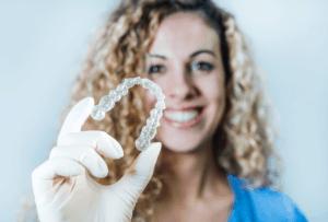 יישור שיניים ללא גשר – האם זה אפשרי